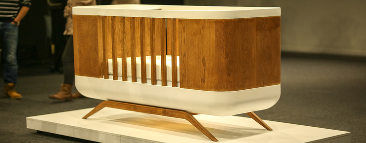 High-tech baby bed